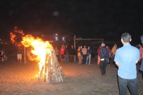 api unggun pangandaran